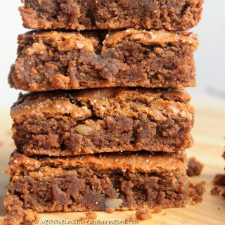 Cinnamon Chickpea Blondies