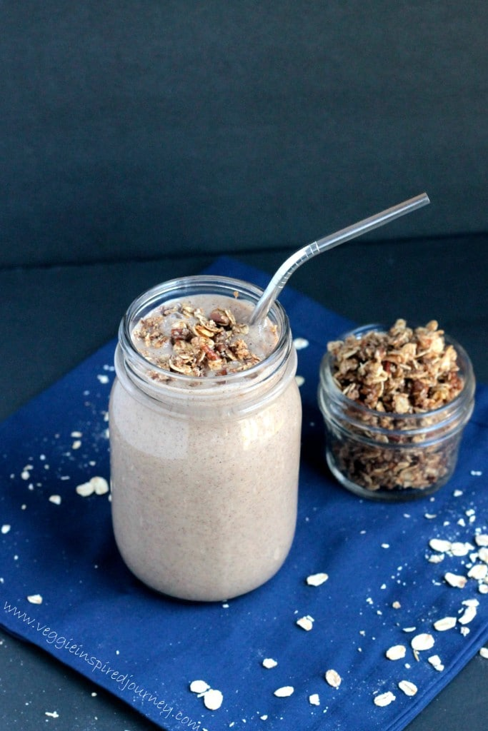 Oatmeal Cinnamon Smoothie w/ Oatmeal Cookie Crumble