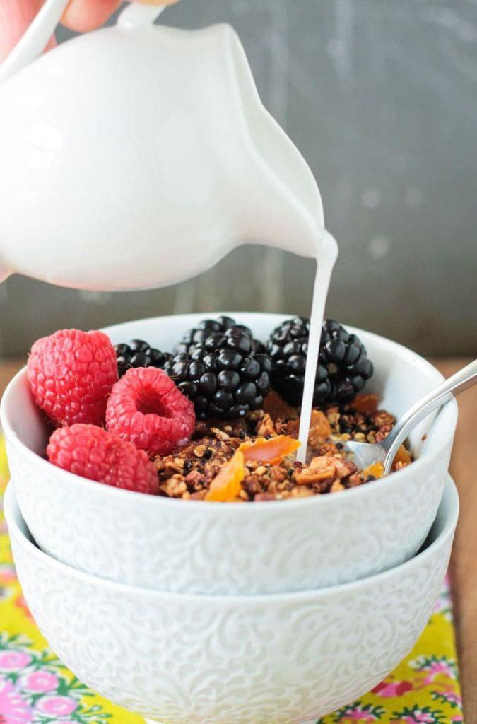 Crunchy Quinoa Breakfast Cereal
