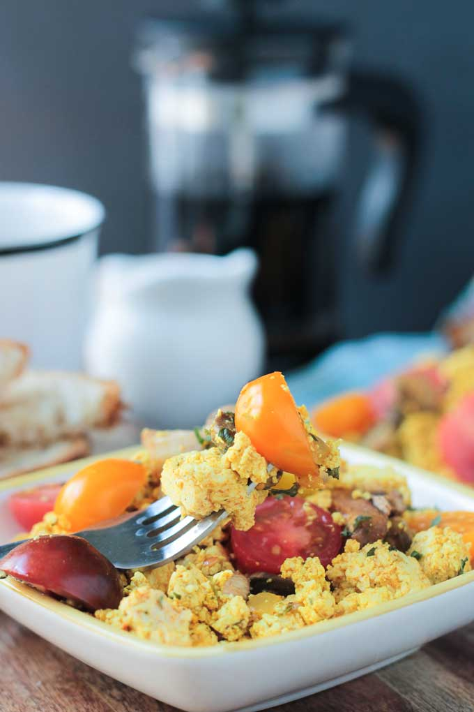 Easy Tofu Scramble w/ Mushrooms