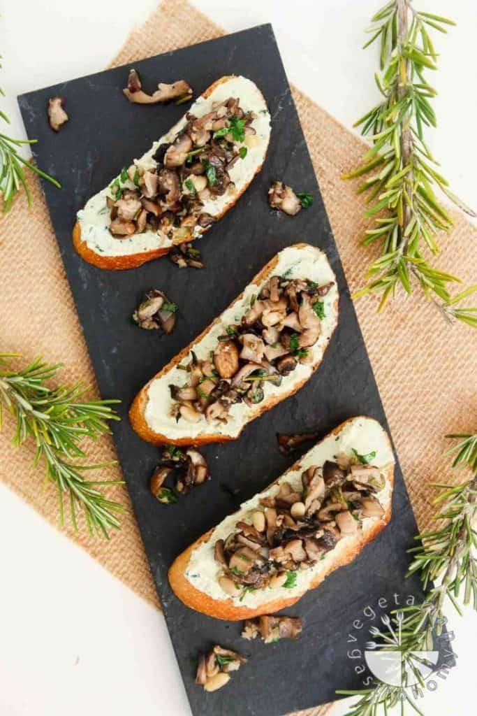 Vegan Appetizers: Mushroom Crostini