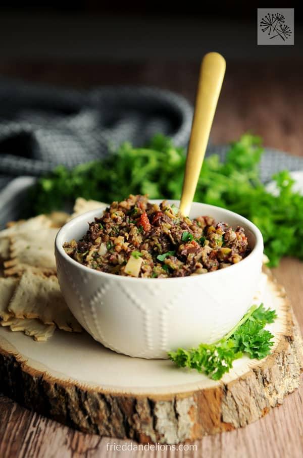 Vegan Appetizers: Olive Tapenade