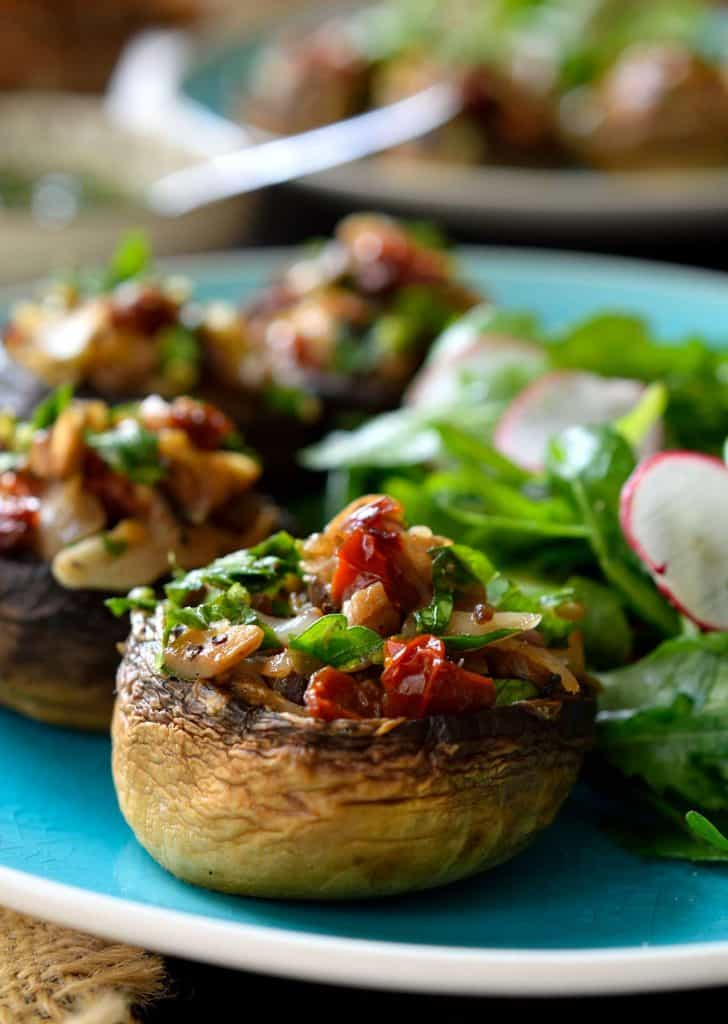Vegan Appetizers: Stuffed Mushrooms