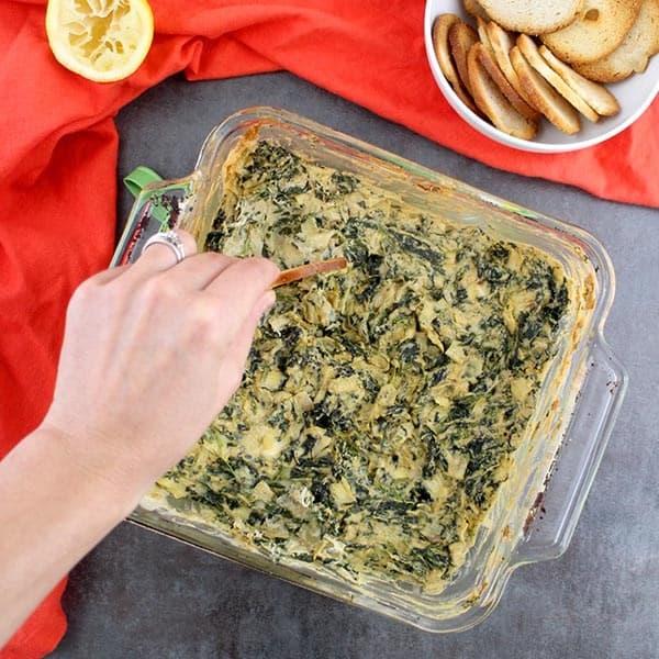 Vegan Appetizers: Vegan Spinach Artichoke Dip