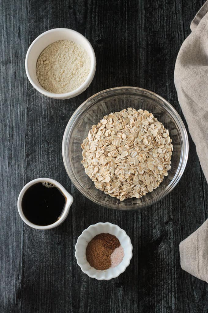 Ingredients for the crumbly oat topping