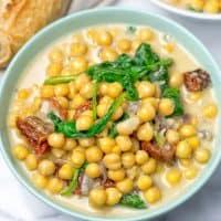One Pot Garlic Butter Chickpeas