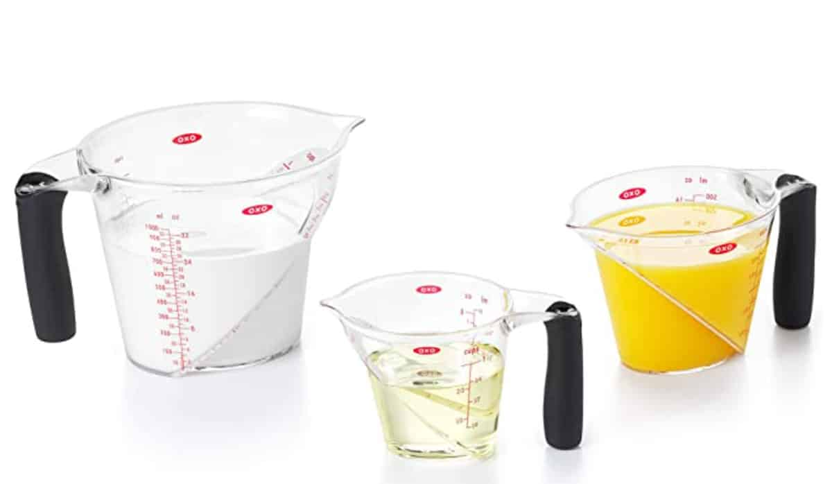 Set of 3 angled measuring cups.